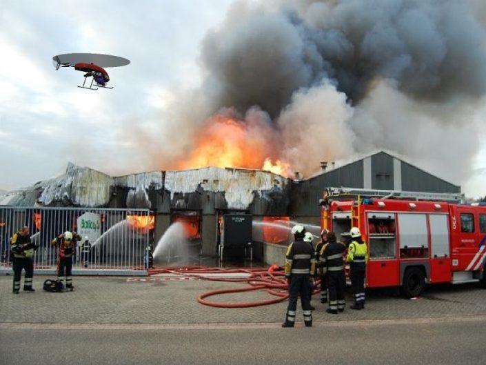 brandweer die drone vliegen gebruikt